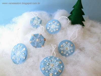 Flocos de Neve em Feltro by Vanessa Biali 2